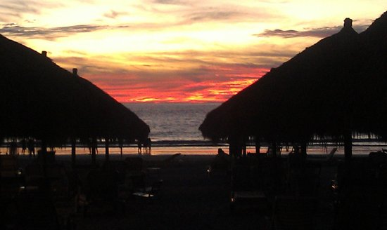Paradise Village Beach Resort & Spa: here the hotel meets the beach. Always an amazing sunset!