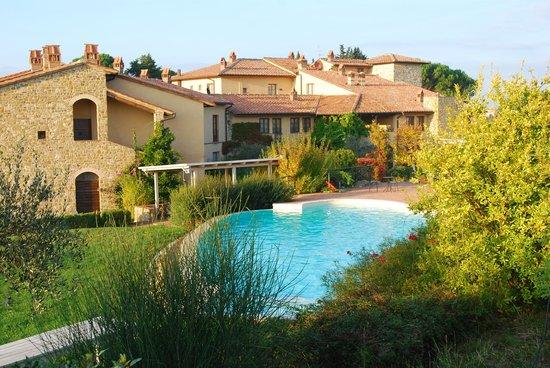 Hotel Borgo Di Cortefreda Relais : Looking down onto hotel and pool