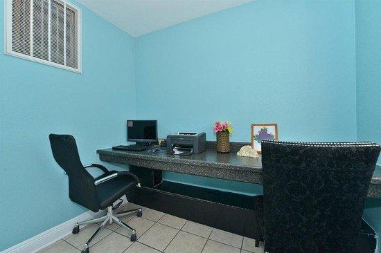 Lexington Inn - Hammond: Business Center