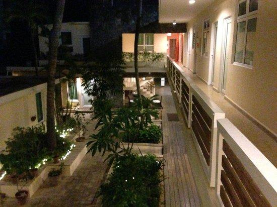 لا بلايتا: View From 2nd Floor Balcony