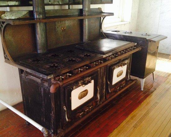 James J Hill House : Original stove