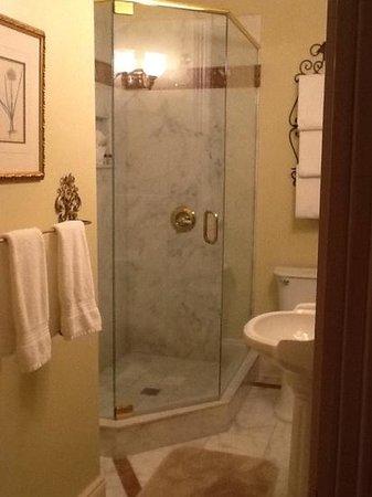 The Cedar House Inn: pretty updated bathroom-The Gables Room
