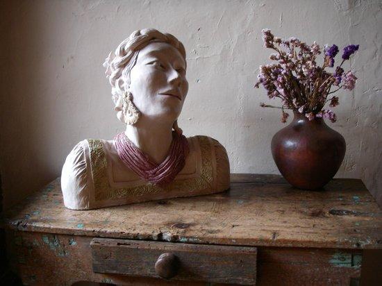 Hotel Casa Encantada: One of Victoria's sculptures