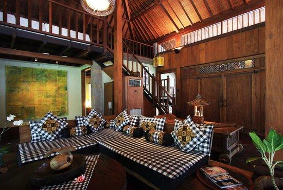 Puri Tupai: the corner for chatting