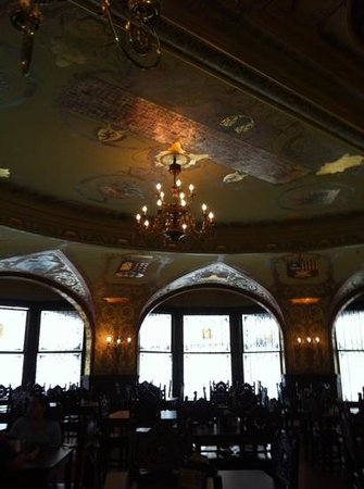Flagler College: ceiling in the diningroom