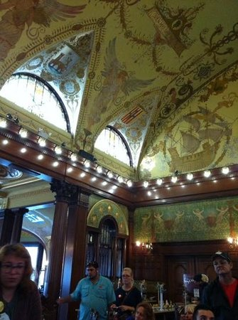 Flagler College: ceiling in the entry