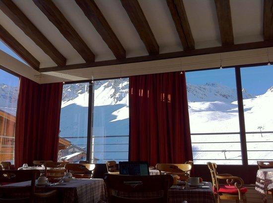Hotel Le Ski d'Or : Vue du petit déjeuner (2013.11)