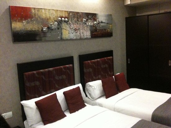 M Hotels: Art above the beds