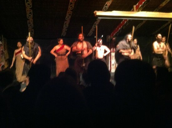 Tamaki Maori Village: Showcase