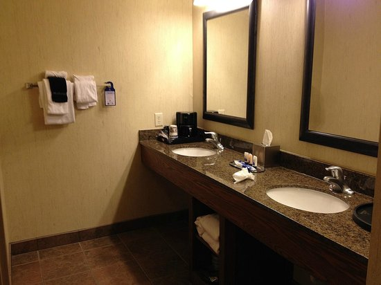 BEST WESTERN PLUS Bryce Canyon Grand Hotel: double basin, bathroom