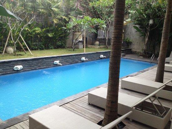 The Grand Sunti: pool nr 2