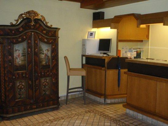 Hotel Gasthof Goldener Löwe: Лобби