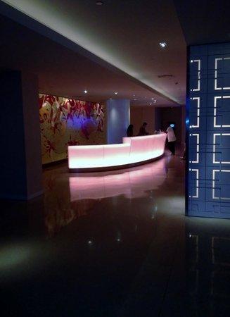 The Condado Plaza Hilton: Front desk