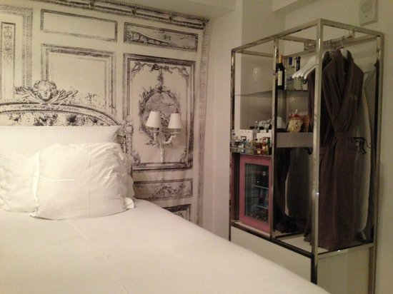 SLS South Beach room