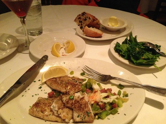 Hugo's Frog Bar & Fish House : Rainbow Trout with a side spinach (extra cost)