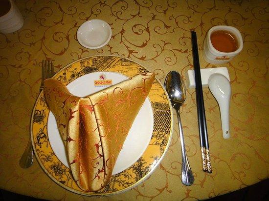 Golden Bay Fresh Seafood Restaurant: Nice Table setting