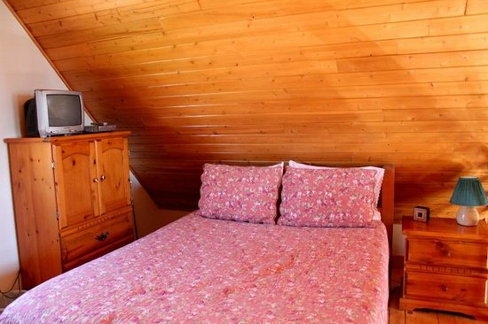 Irwin Lake Chalet: Upstairs bedroom