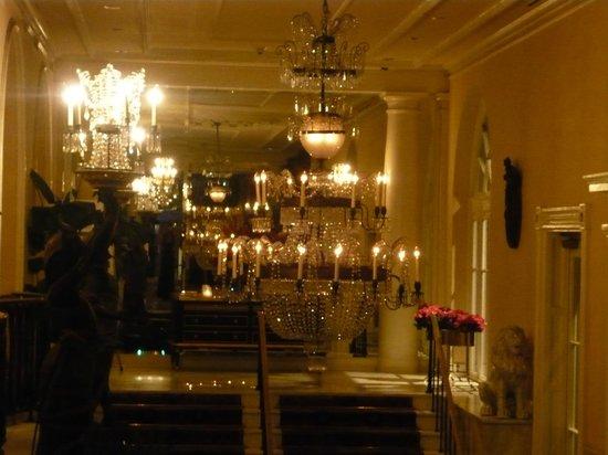 Omni Royal Orleans: Hotel lobby