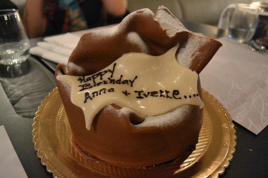 Waterbiscuit : fantastic double chocolate fudge birthday cake