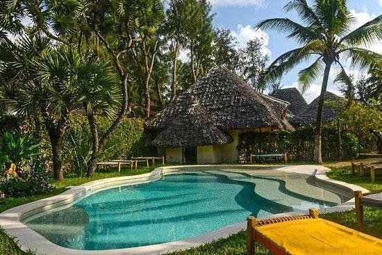 Mawimbi Lodge: Pool/piscina