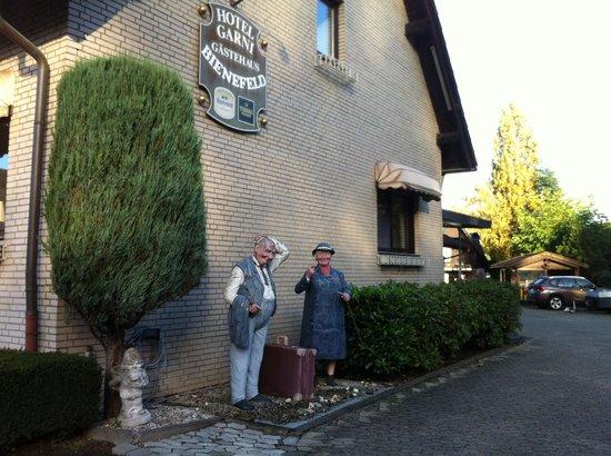 Hotel Bienefeld: Outside of hotel