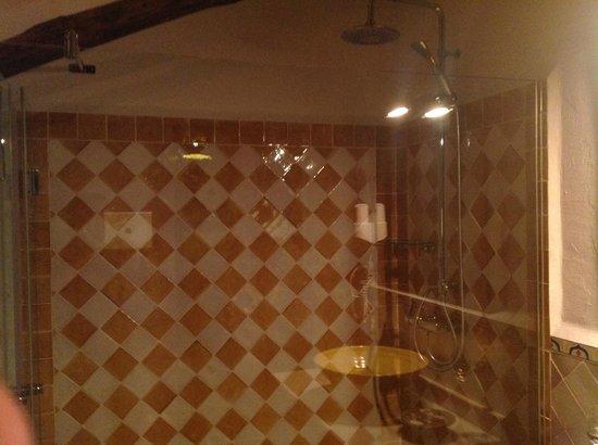 Hospederia la Era: Lækkert og funktionelt badeværelse