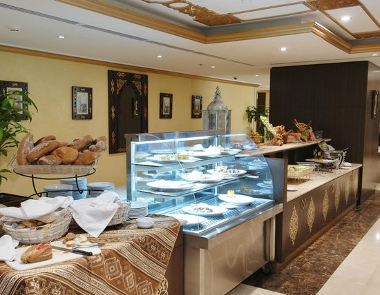 Millennium Taiba Hotel : Buffet at Al Arike Restaurant