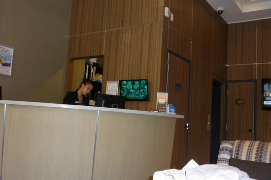 Comfort Inn City Centre: Helpful staff at the front desk