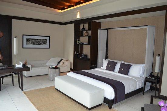 Soori Bali: Schlafzimmer in Villa