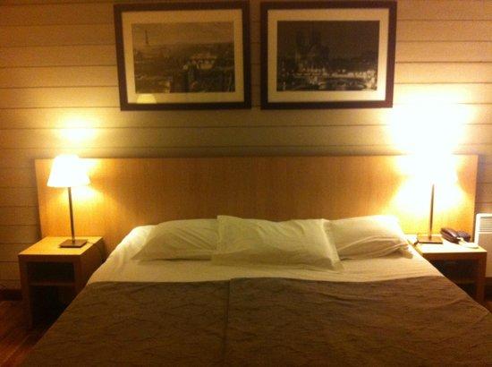 Adagio Paris Montmartre : lit