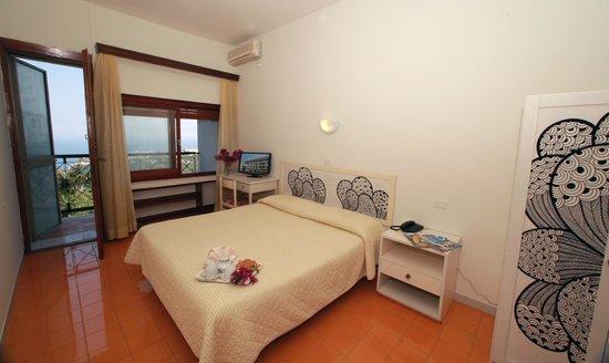 Camera matrimoniale con vista Golfo - Foto di Hotel ...