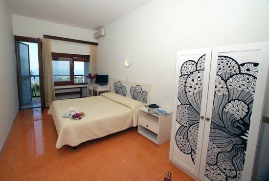 Hotel Soggiorno Salesiano: Camera matrimoniale con vista Golfo