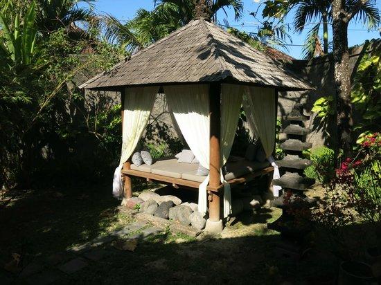 Villa Kampung Kecil: après la piscine, la sieste
