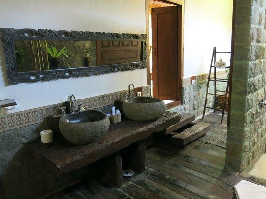 Villa Kampung Kecil: salle de bains