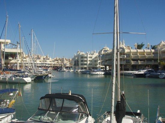 Las Arenas Hotel: Marina