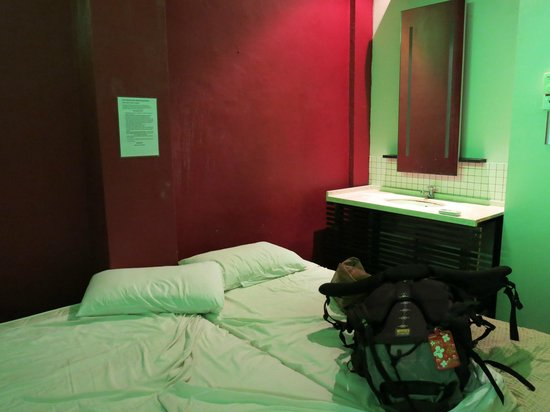 Number Eight Guesthouse: Chambre correcte