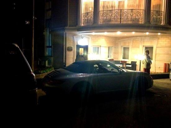 Nikolaevskiy : вход и паркинг