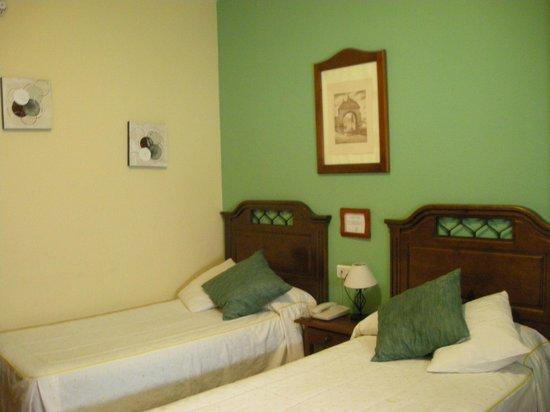 Hotel Arunda II: ベッド