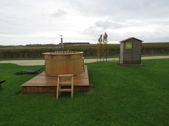 Domaine des Vigneres : Hot Tub