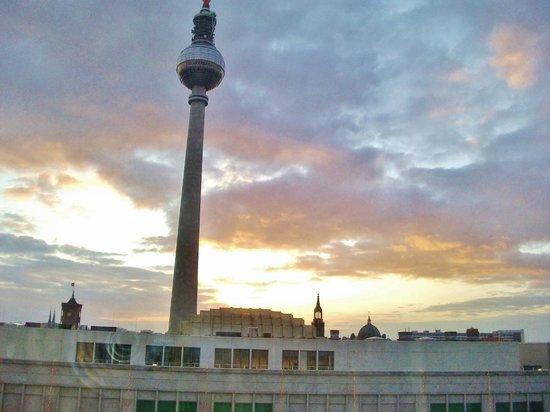 Berlin TV Tower: Вид из гостиницы