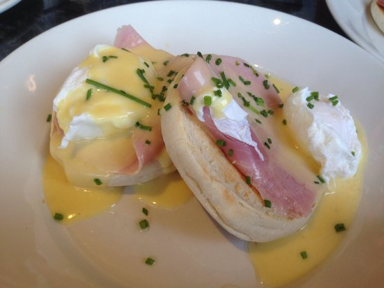 Frankie & Benny's: My eggs Benedict poached eggs done to perfection !
