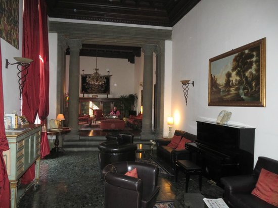 "The ""living room"" of the Torre Guelfa hotel"