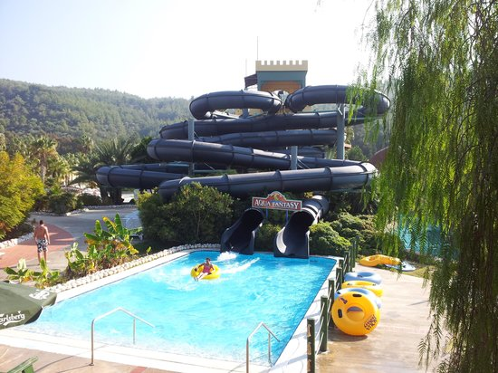 Aquafantasy Aquapark Hotel & SPA : Some of the waterpark slides
