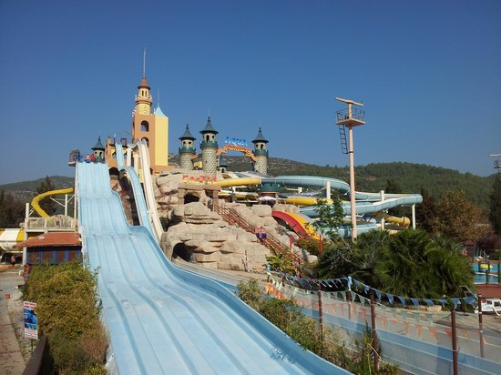 Aquafantasy Aquapark Hotel & SPA : More slides