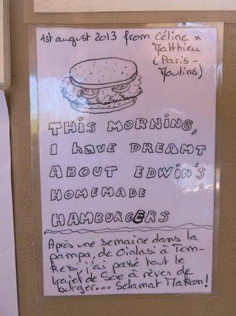 Lavalon SeaView Hostel & Bar: Homemade burger !!!!