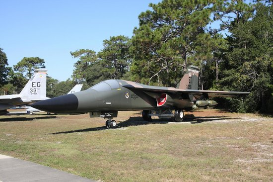 L'AC-47 Spooky - Picture of Air Force Armament Museum ...