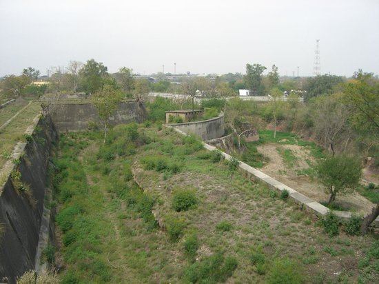 Gobindgarh Fort: View of the ramparts