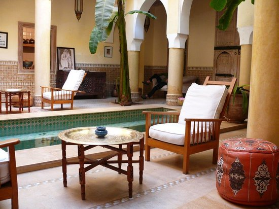 Riad Azoulay: Courtyard and plunge pool