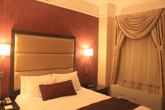 Hotel Metro : bedroom 1206