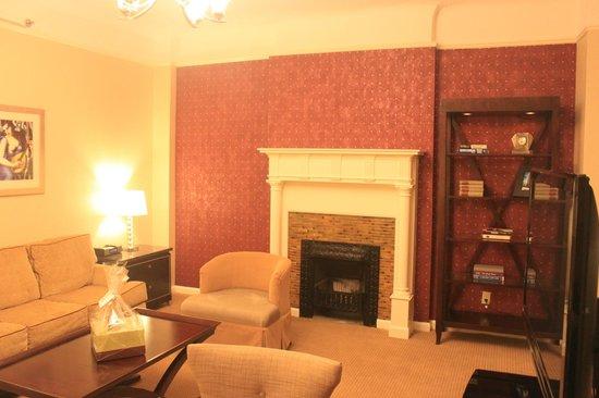 Hotel Metro : living room of 1206